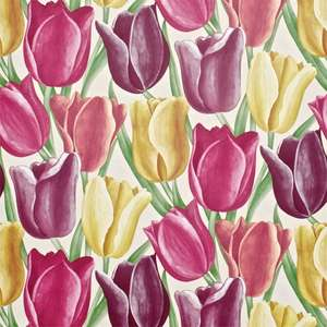 Обои Early Tulips Aubergine Cherry Red DVIWEA103